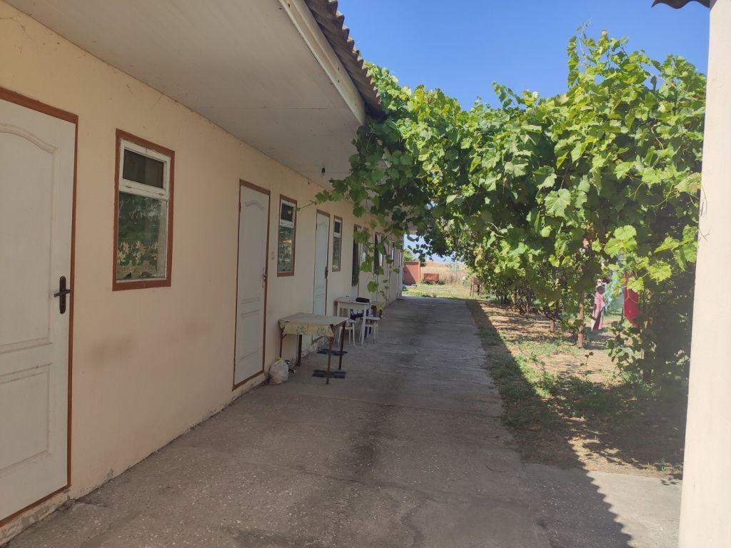 Действующий дом базу-отдыха в с Приморское (Большевик)