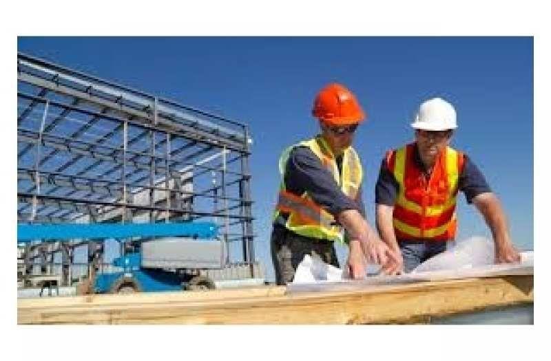 Требуются мастера-строители и подсобники