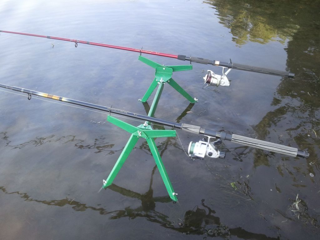 Подставка под 2 удилища донного и поплавочного, подарок рыбаку